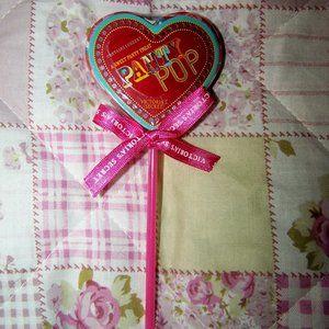 NWT Victoria's Secret Panty Pop Cheeky XS/S Hearts